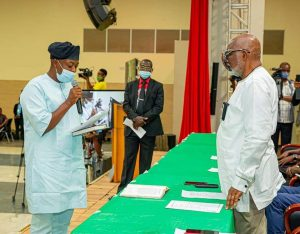 AKEREDOLU WANTS PUBLIC SERVANTS TO RAISE BAR OF EXCELLENCE, AS HE SWEARS IN FOUR NEW COMMISSIONERS